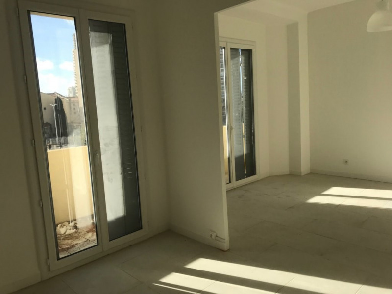 Rental apartment Toulon 750€ CC - Picture 3