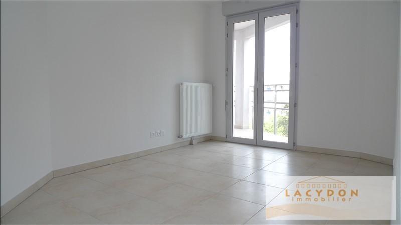 Location appartement Marseille 4ème 870€ CC - Photo 4
