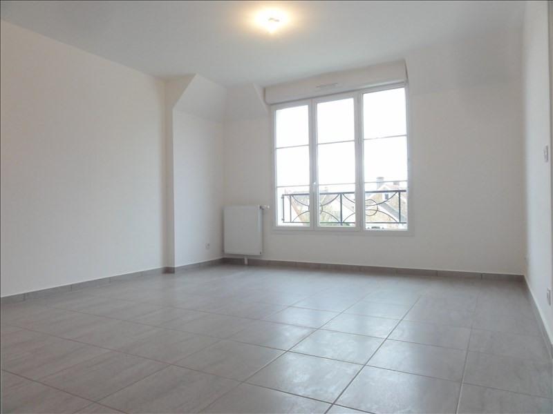 Location appartement Plaisir 820€ CC - Photo 2