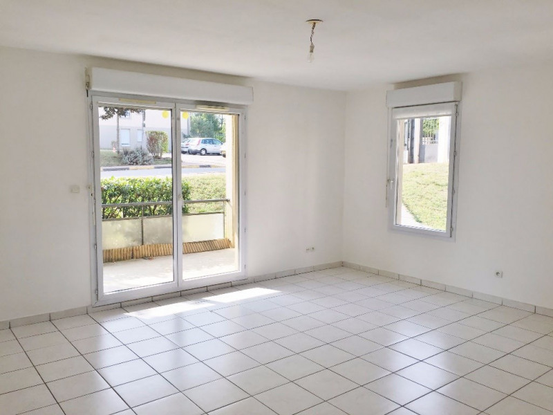 Sale apartment L isle d abeau 139900€ - Picture 2