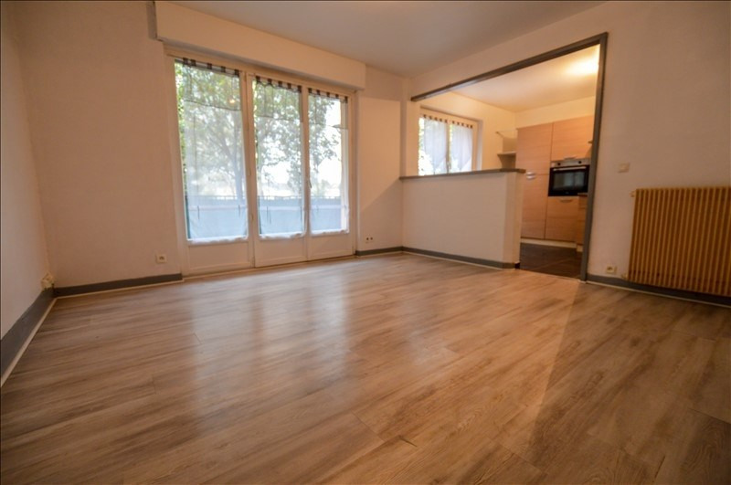Sale apartment Pau 103550€ - Picture 2