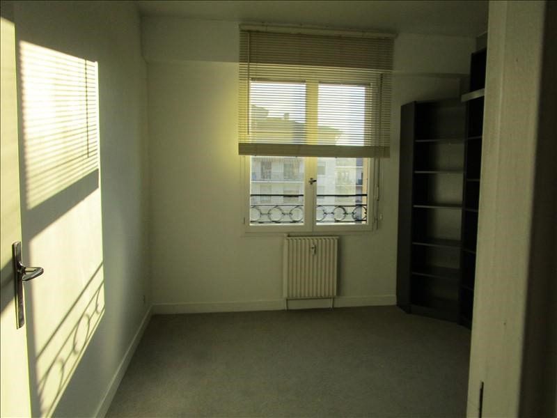 Rental apartment Quartier revolution 830€ CC - Picture 7