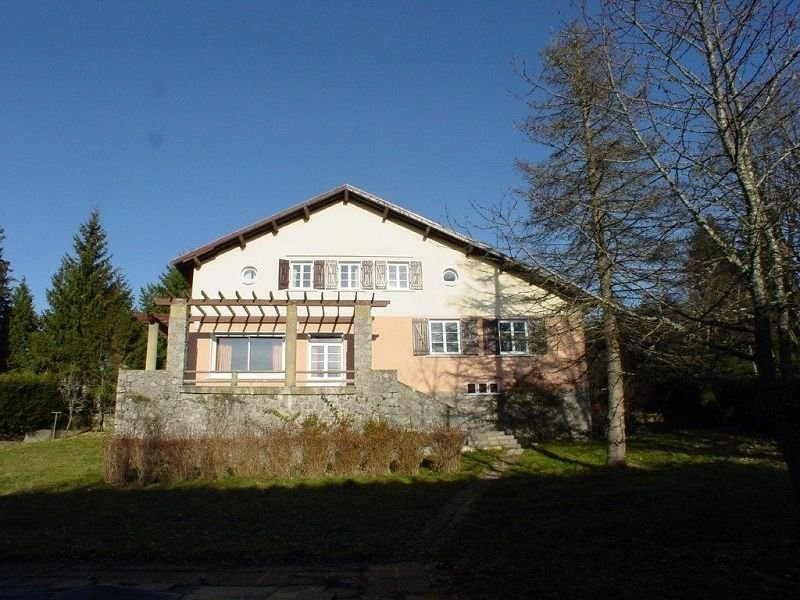 Sale house / villa St agreve 222 000€ - Picture 1