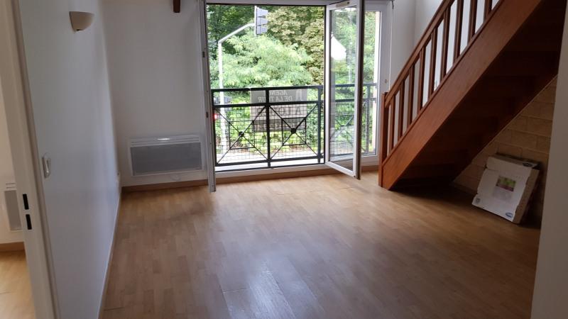 Rental apartment Longpont sur orge 810€ CC - Picture 2