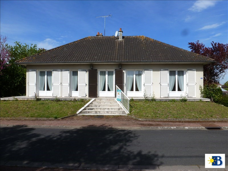 Vente maison / villa St gervais les trois cloch 99938€ - Photo 1