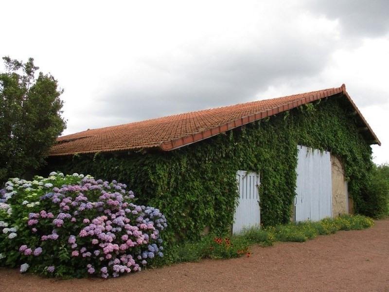 Sale house / villa Vougy 289500€ - Picture 2