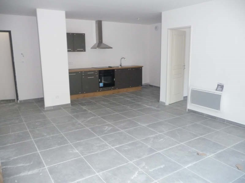 Location appartement Althen des paluds 740€ CC - Photo 1