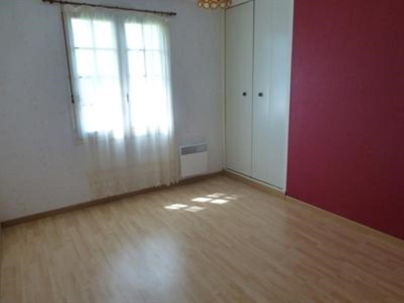 Sale house / villa Saint-jean-d'angely 159750€ - Picture 5