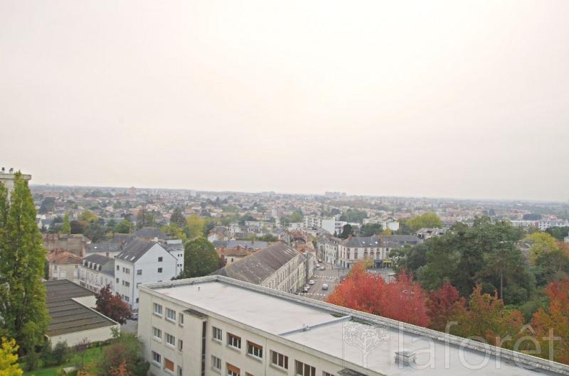 Sale apartment Cholet 242000€ - Picture 3