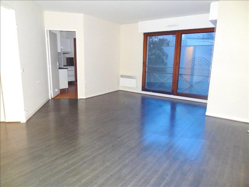 Rental apartment Levallois perret 1400€ CC - Picture 2