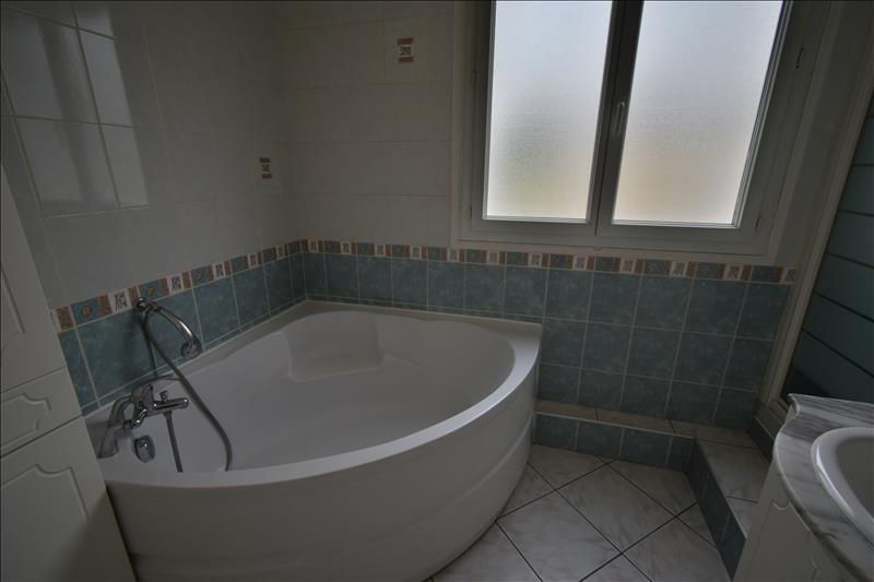 Sale house / villa Izeste 220000€ - Picture 4