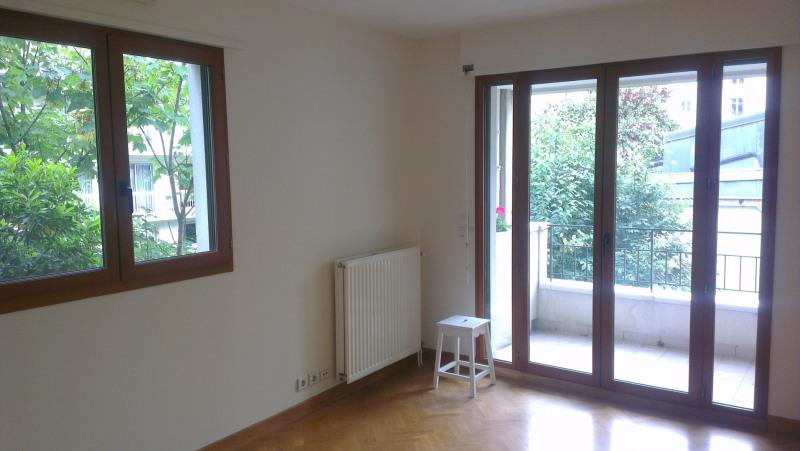Location appartement Paris 15ème 2800€ CC - Photo 2