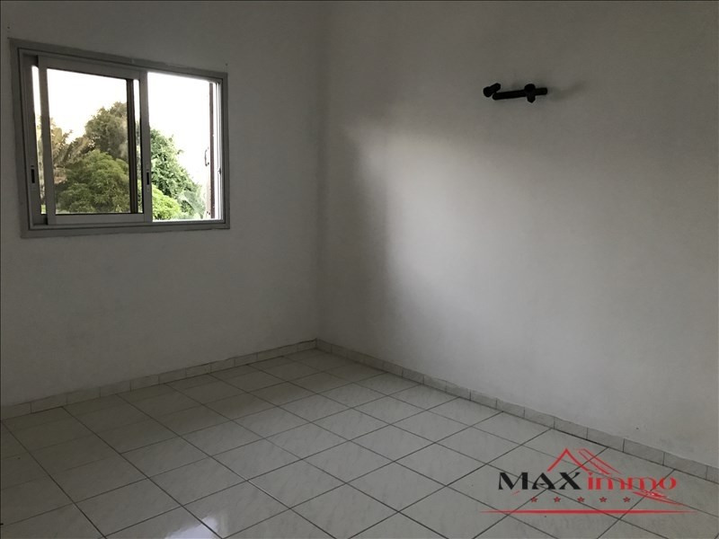 Location maison / villa Saint-louis 1 059€ CC - Photo 3