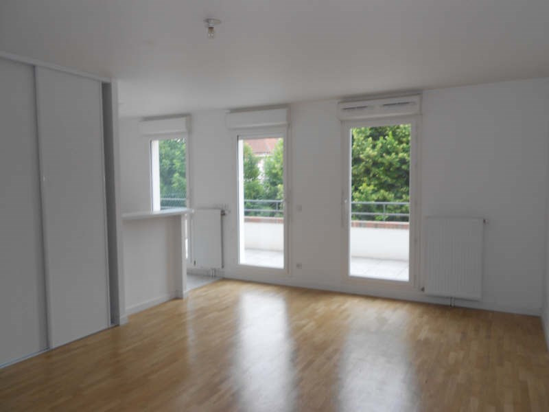 Rental apartment St germain en laye 771€ CC - Picture 1