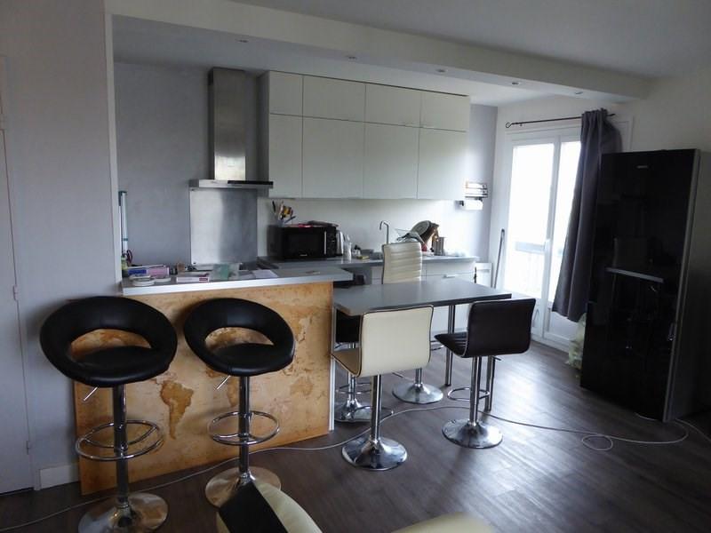 Rental apartment Maurepas 809€ CC - Picture 1