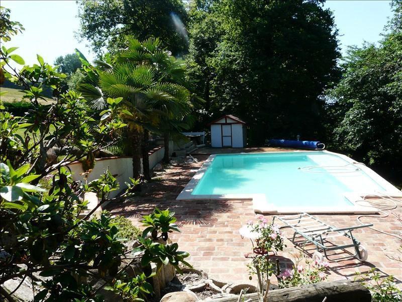 Sale house / villa Andoins 245000€ - Picture 4