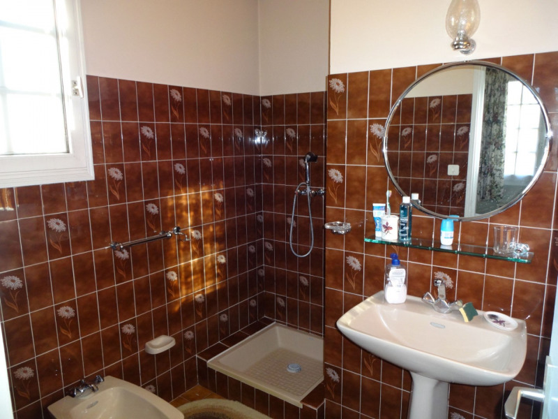Sale house / villa Althen des paluds 335000€ - Picture 15