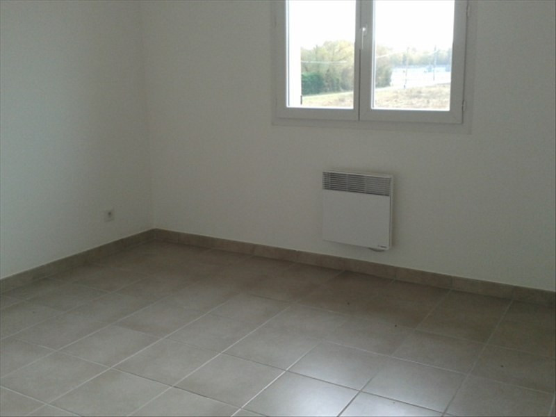 Location maison / villa St cyr sur le rhone 900€ CC - Photo 5