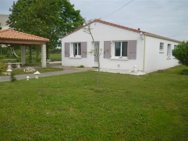 Sale house / villa Loulay 219000€ - Picture 1