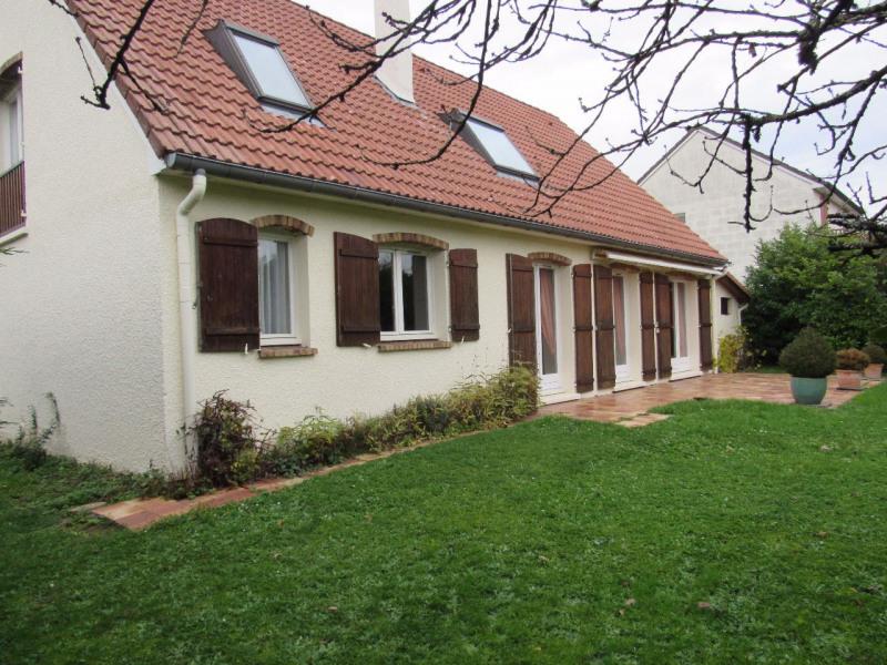 Sale house / villa Lésigny 415000€ - Picture 1