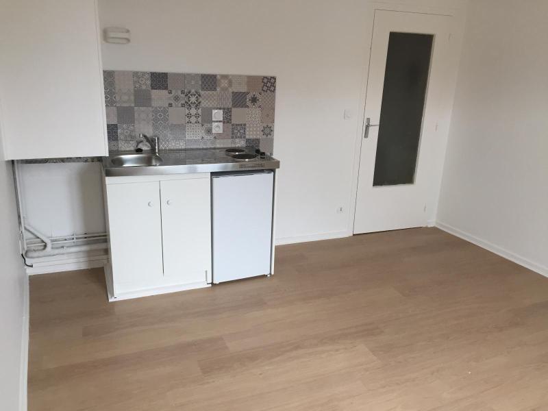 Location appartement Villefranche sur saone 343€ CC - Photo 2