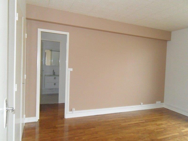 Location appartement Troyes 499€ CC - Photo 2