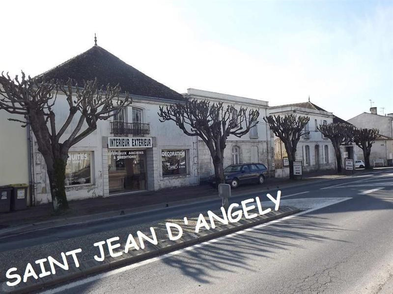 Vente Local commercial Saint-Jean-d'Angély 0