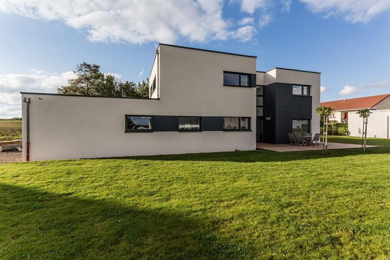 """Modèle de maison  """"Maison d'architecte personnalisée en Lorraine"""" Haut-Rhin par INNOV'HABITAT"""