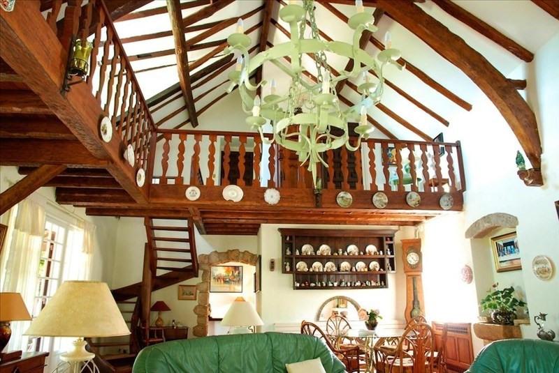 Deluxe sale house / villa Laroque timbaut 549000€ - Picture 2