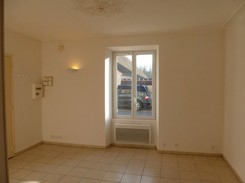 Location appartement Senlis 560€ CC - Photo 2