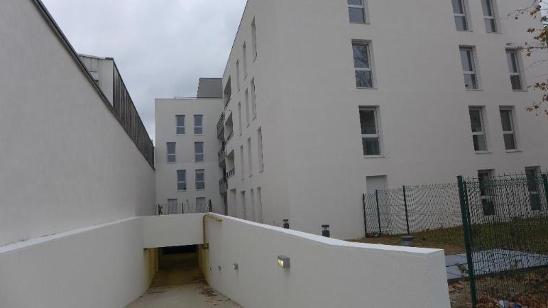 Rental apartment Saint fons 815€ CC - Picture 1