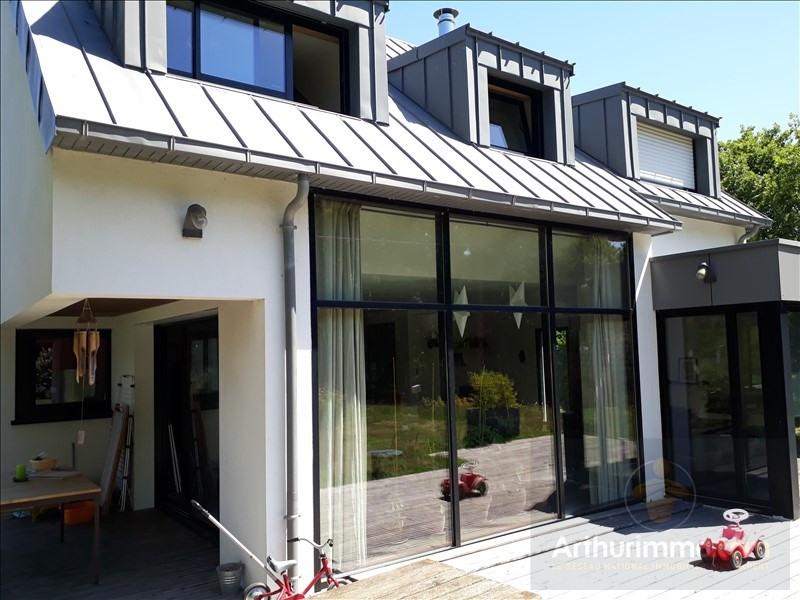 Sale house / villa Auray 398620€ - Picture 1