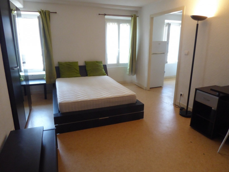 Location appartement Aubenas 367€ CC - Photo 1
