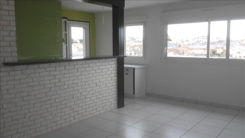 Rental apartment Cholet 585€ CC - Picture 2