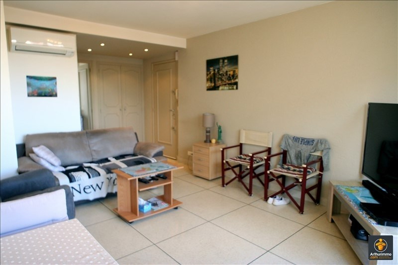 Sale apartment Sainte maxime 200 000€ - Picture 1