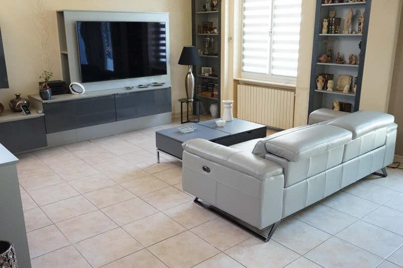 Revenda casa Lyon 8ème 475000€ - Fotografia 6