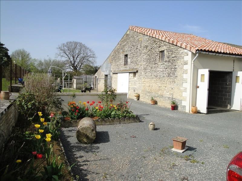 Sale house / villa Ensigne 111000€ - Picture 2