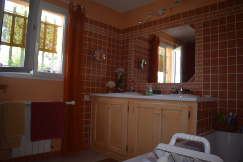 Sale house / villa Beaucaire 282000€ - Picture 8