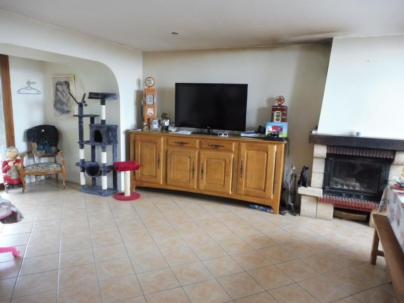 Vente maison / villa Le may sur evre 137 900€ - Photo 2