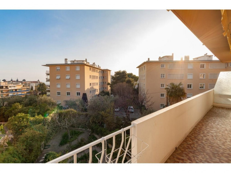 Location appartement Nice 1180€ CC - Photo 1