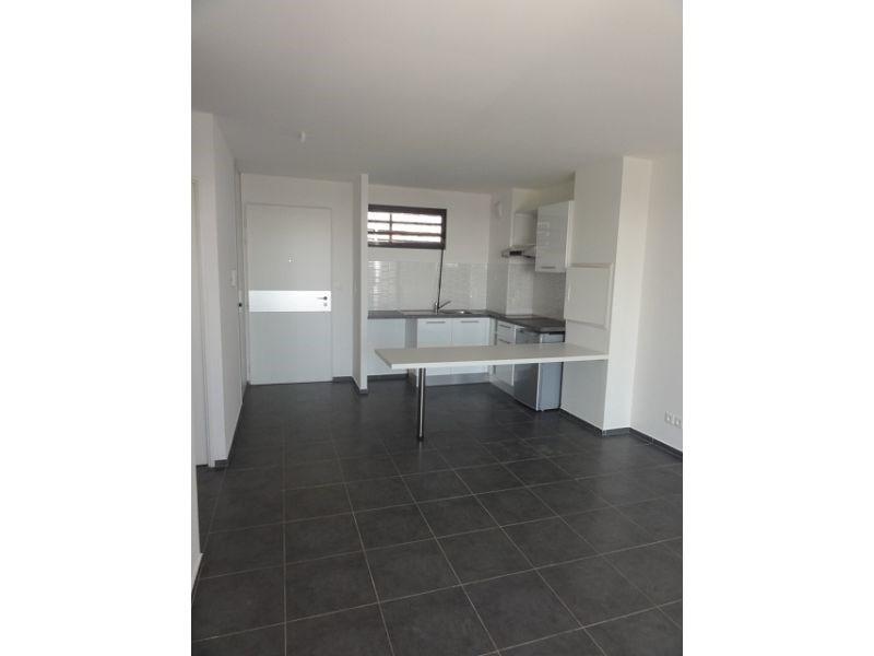 Location appartement St denis 579€ CC - Photo 3