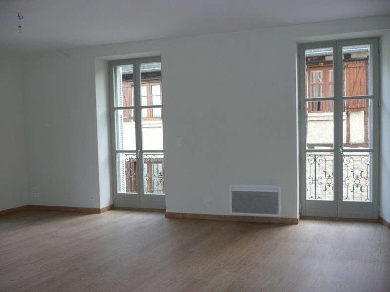 Rental apartment Terrasson la villedieu 450€ CC - Picture 2