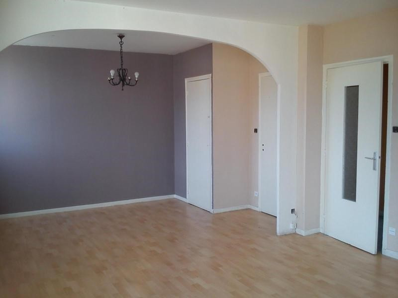 Location appartement Fontaine 540€ CC - Photo 1