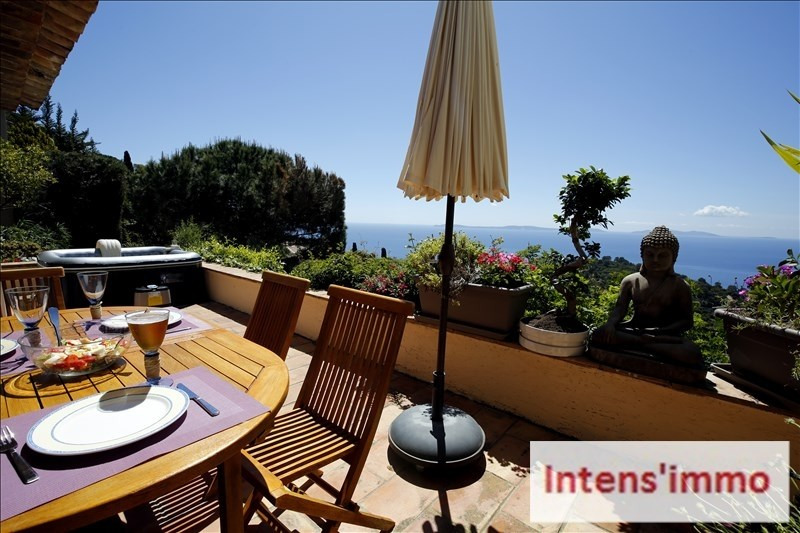 Deluxe sale house / villa Le rayol canadel 1768000€ - Picture 2