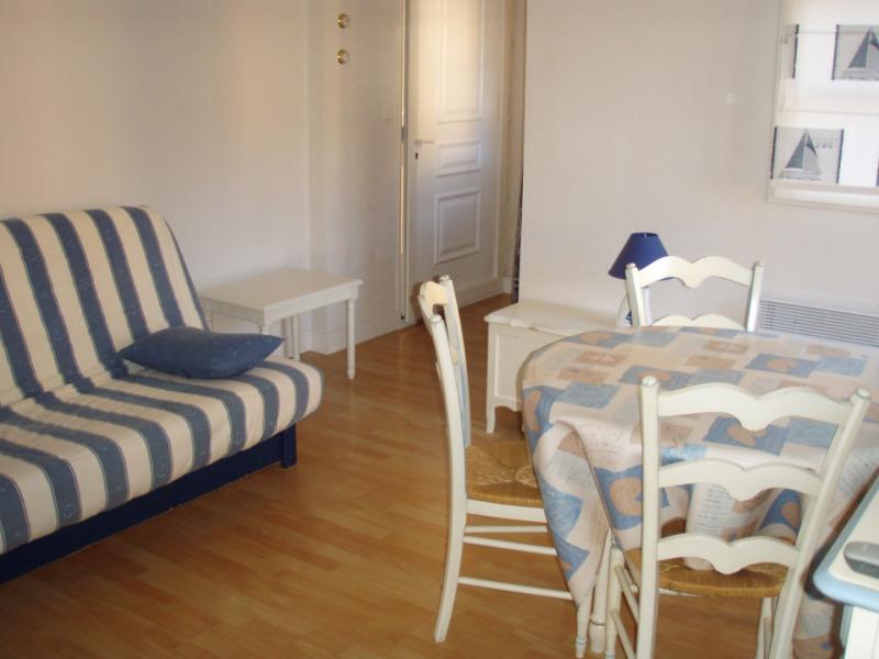 Rental apartment Honfleur 360€ CC - Picture 4
