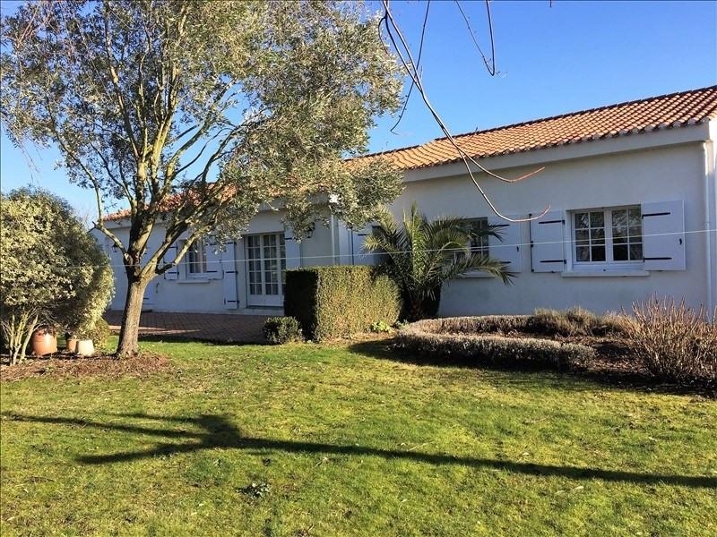 Sale house / villa Avrille 229800€ - Picture 2