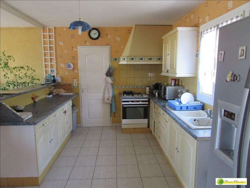 Sale house / villa Aigre 133000€ - Picture 5