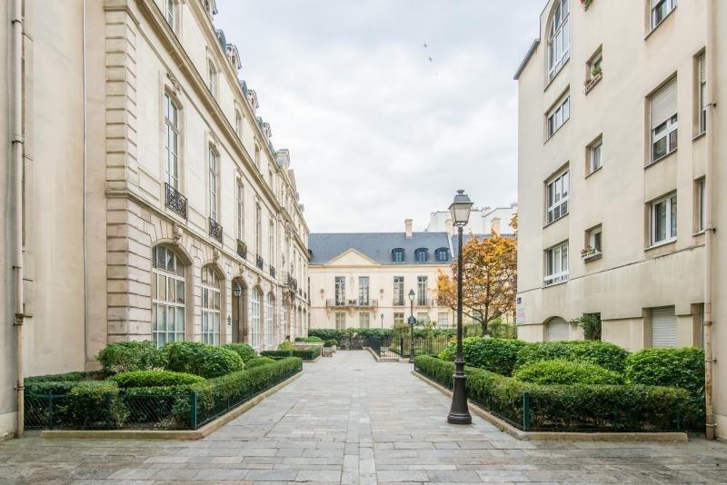 Deluxe sale apartment Paris 3ème 1389000€ - Picture 2