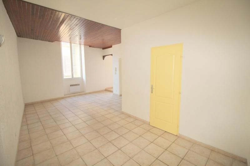 Rental apartment St chamas 410€ CC - Picture 2