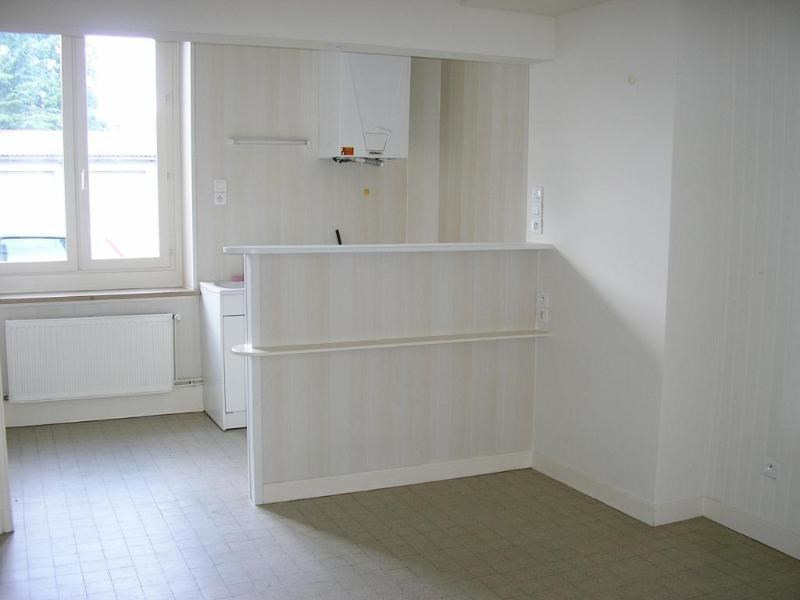 Location appartement Oyonnax 343€ CC - Photo 1